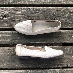 Vtg Trotters Metallic Leather Woven Slip Ons Flats
